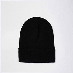 Black fine knit slouchy beanie