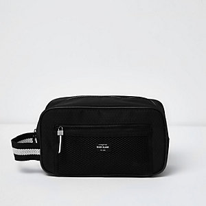 Black Bag Sporty Washbag