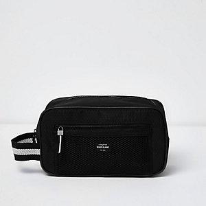 Black Bag Sporty Washbag