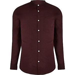 Burgunderfarbenes Oxford-Hemd mit Grandad-Kragen
