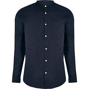 Marineblaues Slim Fit Hemd mit Grandad-Kragen