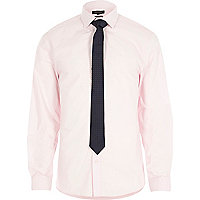Pink poplin shirt with navy spotted tie