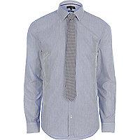 Chemise slim habillée bleue à rayures avec cravate