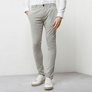 Dunkelgraue Superskinny Chino-Shorts