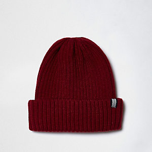 Dark red ribbed knit fisherman hat