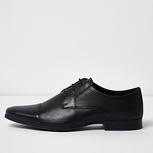 Black toe cap perforated lace-up shoes