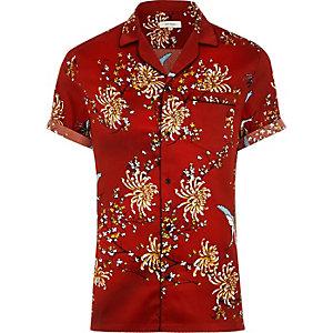 Chemise en satin de coton imprimé oriental rouge à manches courtes