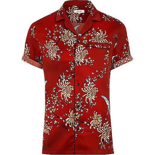 Red oriental print short sleeve sateen shirt