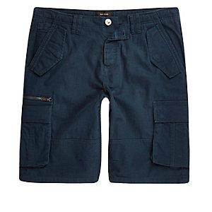Short bleu marine à poche cargo