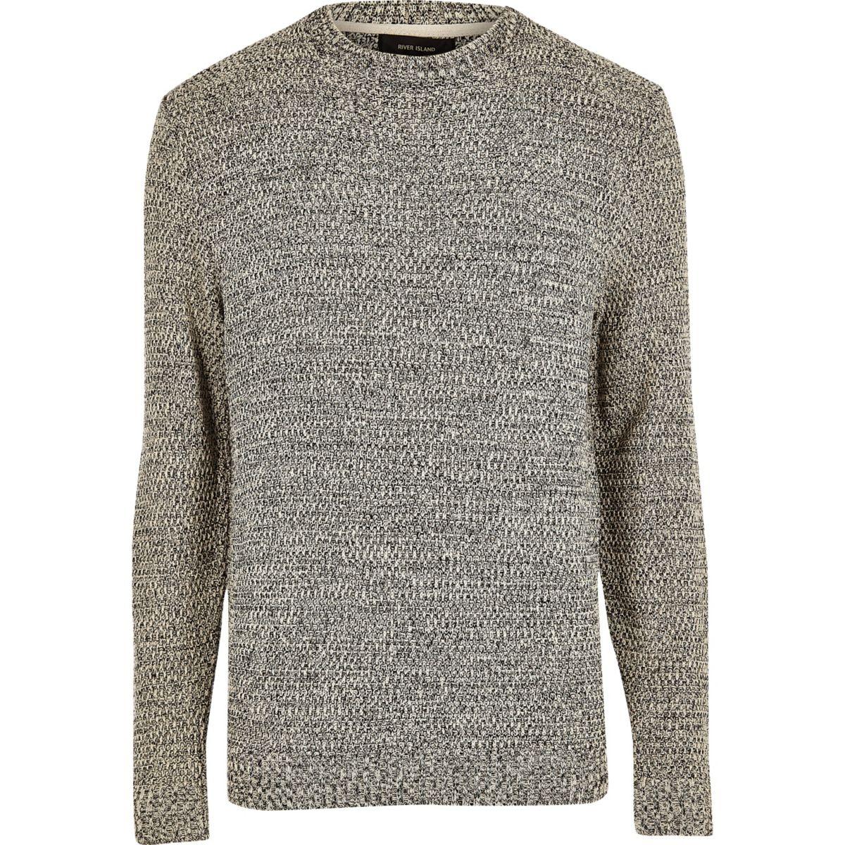 Gebreide zwart-witte pullover met textuur