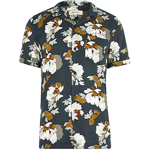 Navy floral print revere collar short sleeve