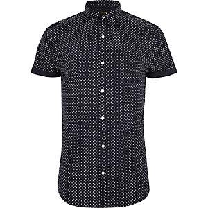Marineblauw slim-fit overhemd met korte mouwen en stippen