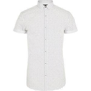 Weißes, gepunktetes Slim Fit Kurzarmhemd