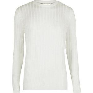 Witte geribbelde aansluitende pullover