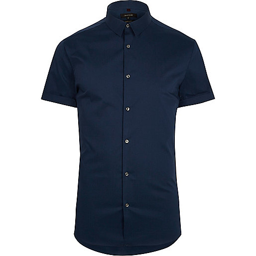 Blue short sleeve muscle fit shirt