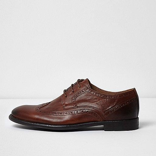 Tan leather smart brogues