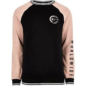 Schwarzes Sweatshirt mit Raglanärmeln