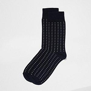 Marineblaue, gepunktete Socken
