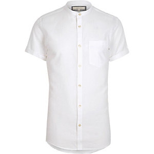 Weißes, kurzärmliges Oxford-Hemd