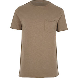 T-shirt slim marron à poche