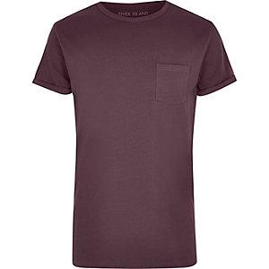 T-Shirt in Dunkelpink mit Rollärmeln