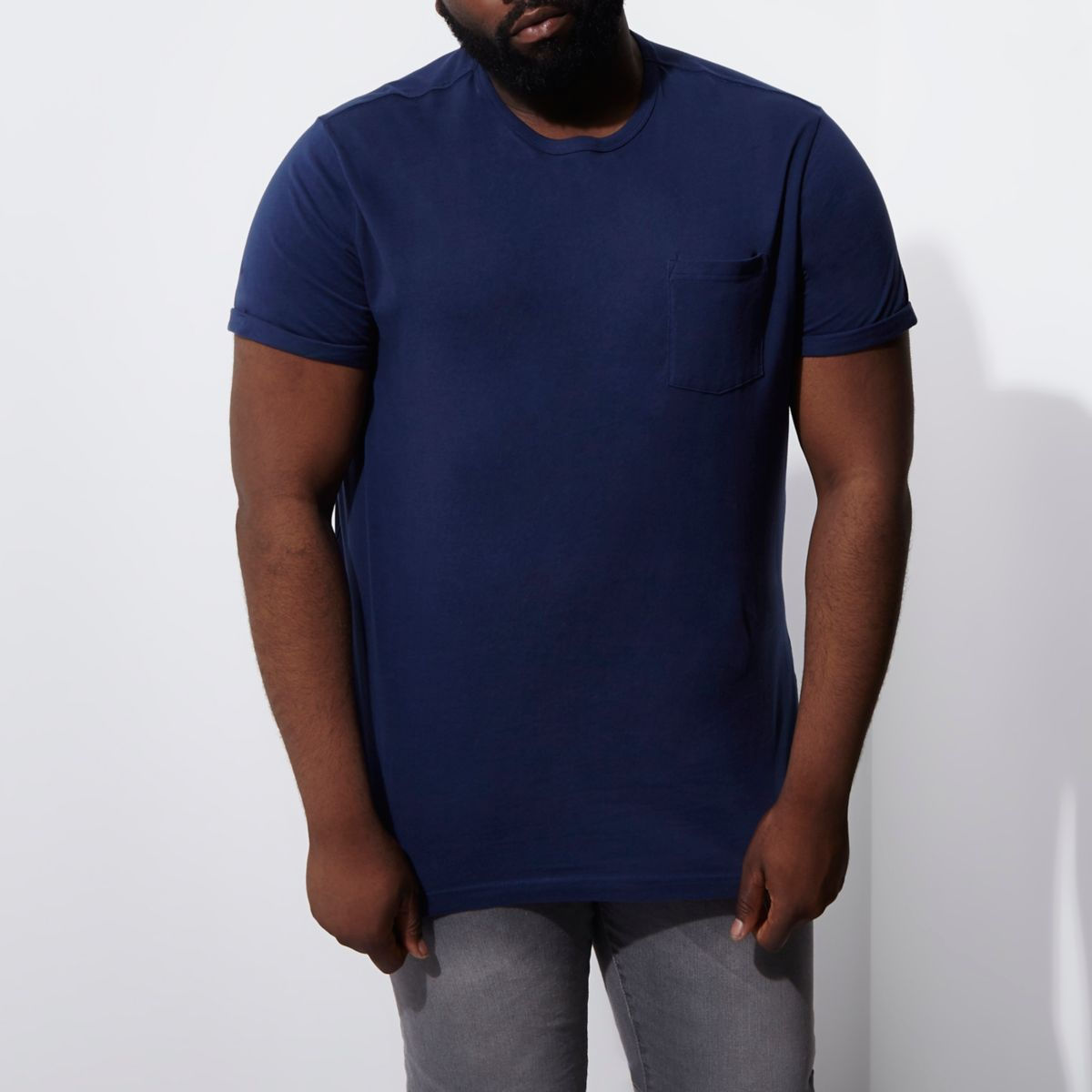 Big & Tall – Marineblaues T-Shirt mit Rollärmeln