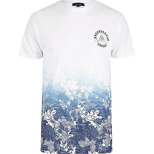 T-Shirt in Weiß und Blau mit Blumenmuster