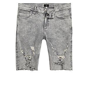 Short en jean skinny gris délavé à l'acide et déchiré