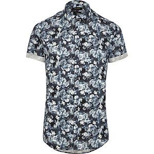 Chemise avec imprimé fleuri bleu cintrée à manches courtes