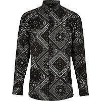 Schwarzes Skinny Fit Hemd mit Bandana-Print