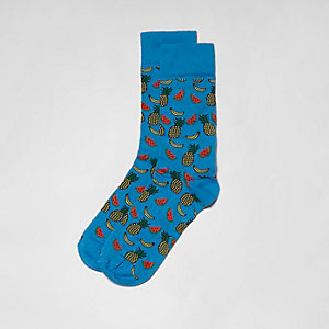 Blaue Socken mit Obstsalat