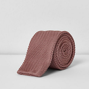 Cravate en maille rose