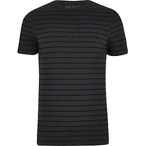 Dunkelgraues, gestreiftes Muscle Fit T-Shirt