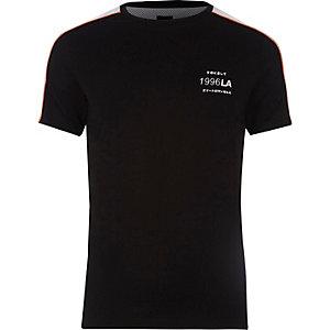 Zwart aansluitend T-shirt met mesh panelen