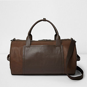 Hellbraune Reisetasche aus Lederimitat