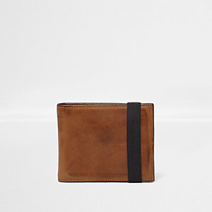 Tan leather elastic wallet