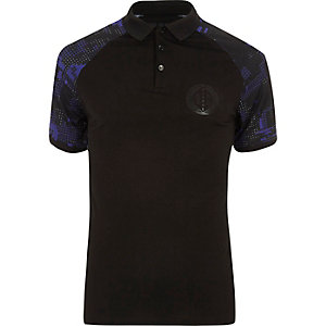 Black geo print raglan muscle fit polo shirt