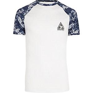 T-shirt ajusté imprimé fleuri blanc à manches raglan