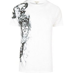 White smoke skull side print T-shirt