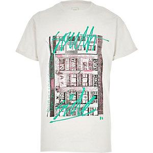 Kurzärmliges T-Shirt in Creme mit Graffiti-Print