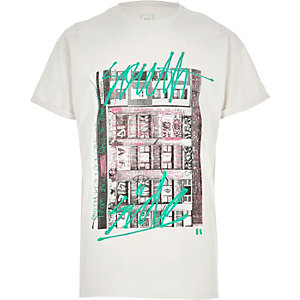 Cream graffiti print short sleeve T-shirt