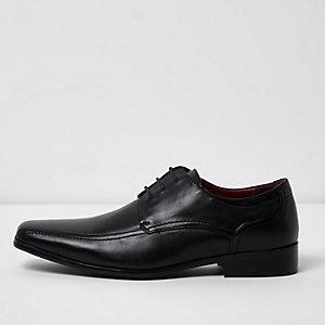 Elegante, schwarze Schnürschuhe