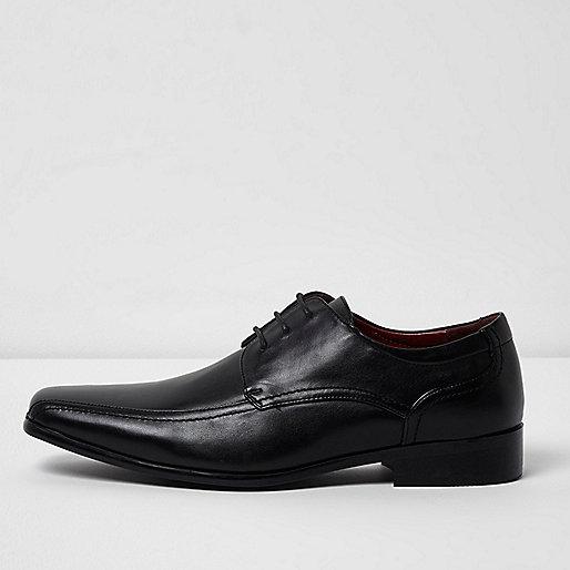 Black formal lace-up shoes