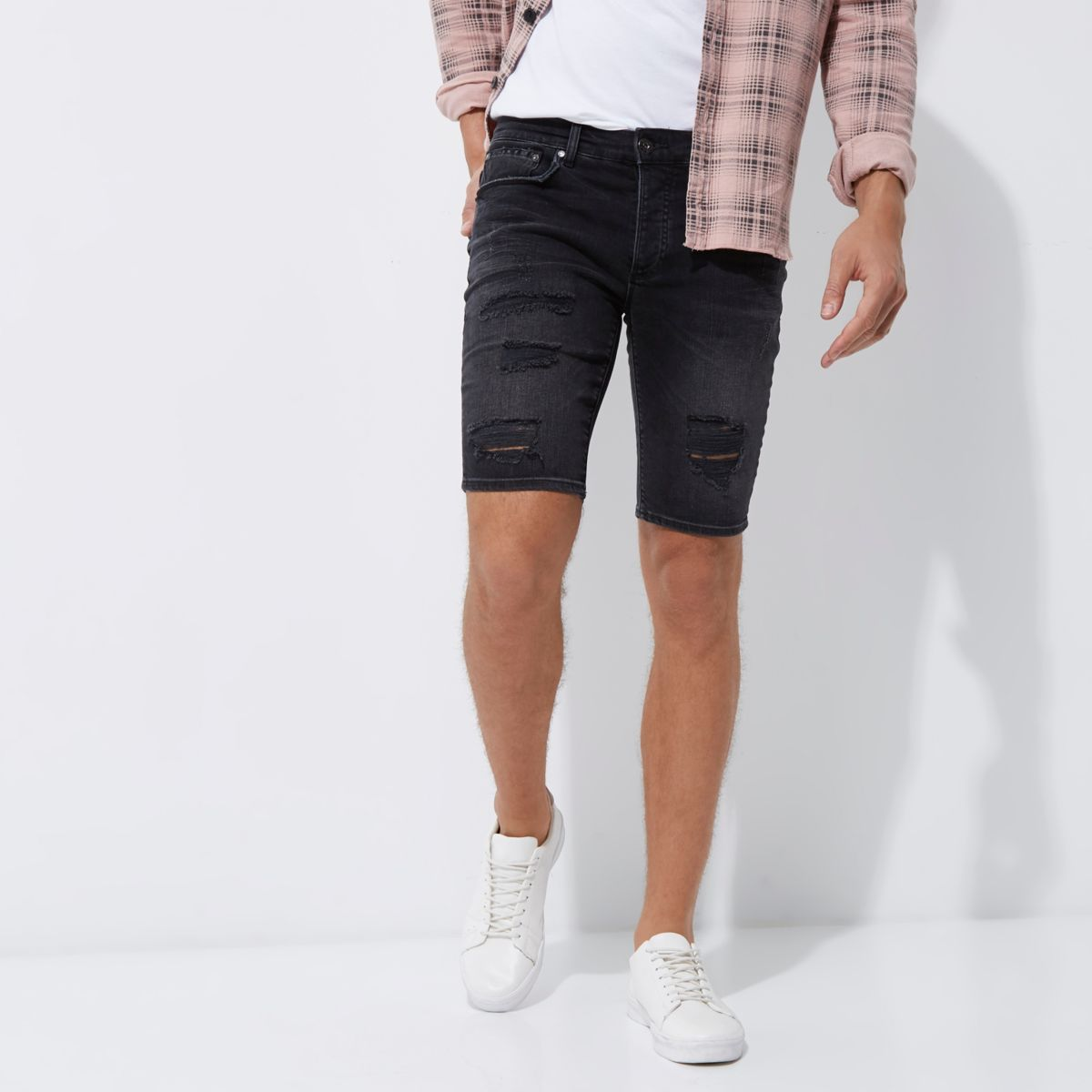 Zwarte ripped skinny denim short