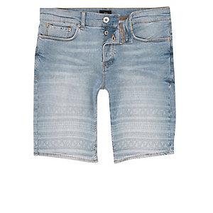 Short en jean skinny bleu clair imprimé aztèque délavé