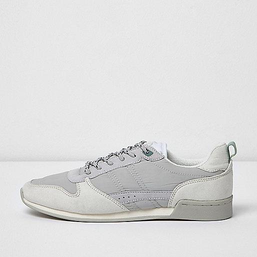 White retro runner sneakers