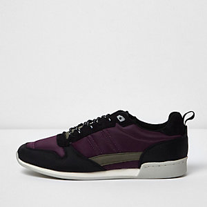 Baskets de course violettes style rétro
