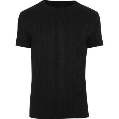 Zwart grofgeribbeld aansluitend T-shirt met ronde hals