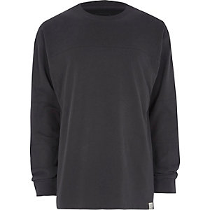 Dunkelgraues, langärmliges Oversized-T-Shirt