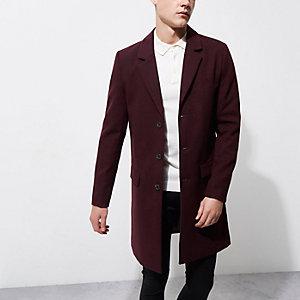 Dunkelroter, eleganter Mantel